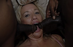 MILF Blowbang Porn Pictures