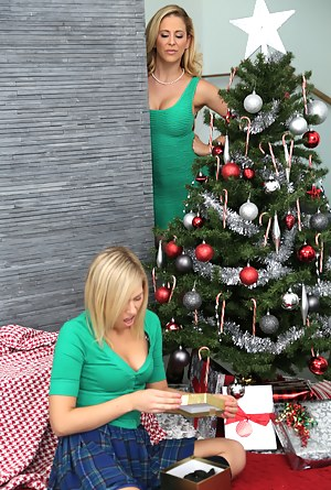 MILF Christmas Porn Pictures