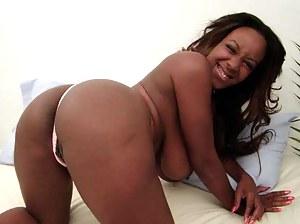 Black MILF Ass Porn Pictures